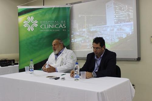 O presidente do HCPA, Amarilio Vieira de Macedo Neto, e o Engenheiro Fernando Martins Pereira da Silva apresentaram o andamento do primeiro ano de obras no hospital
